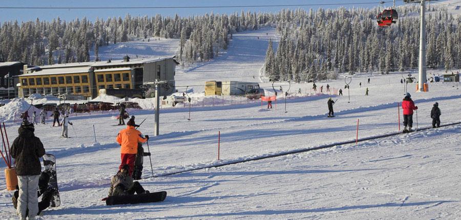 finland_lapland_yllas_yllas-saaga-spa-hotel_gondola-slopes.jpg